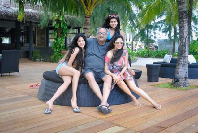 Sridevi, Boney Kapoor and daughters on holiday