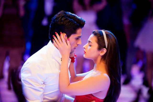 Siddharth Malhotra kissing Alia Bhatt in student-of-year