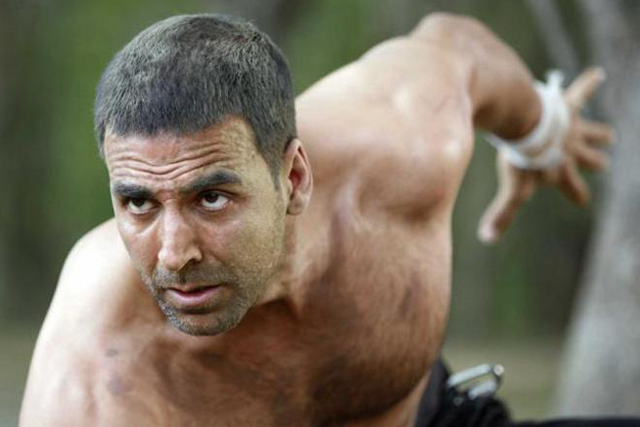 Akshay Kumar Gets Airlifted