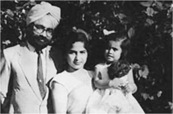 Khushwant Singh with his wife and daughter