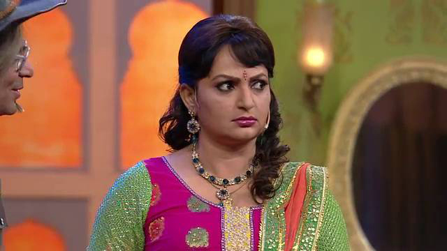 upasana singh on comedy nights