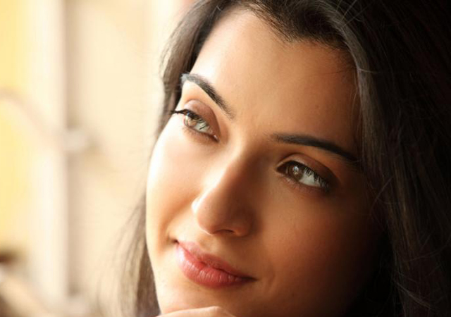 Prosenjit's wife Arpita Pal to make her Bollywood debut
