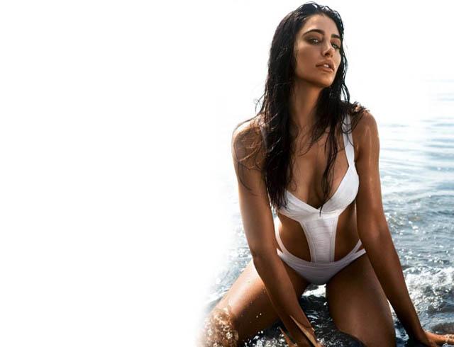 Nargis Fakhri bikini