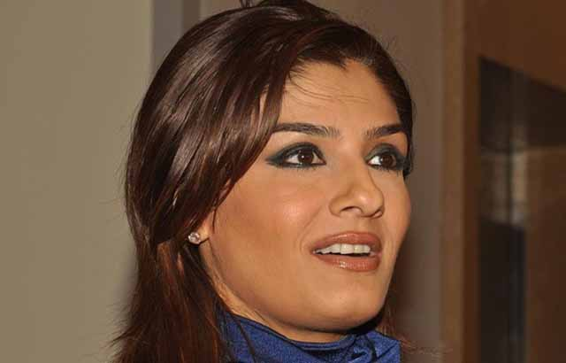 raveena tandon anil thadaniraveena tandon sonali bendre, raveena tandon dance, raveena tandon family, raveena tandon movie in 2012, raveena tandon vk, raveena tandon date of birth, raveena tandon then and now, raveena tandon filmography, raveena tandon wikipedia, raveena tandon family pic, raveena tandon husband, raveena tandon biography, raveena tandon shahrukh khan song, raveena tandon anil thadani, raveena tandon husband name, raveena tandon mp3, raveena tandon mother