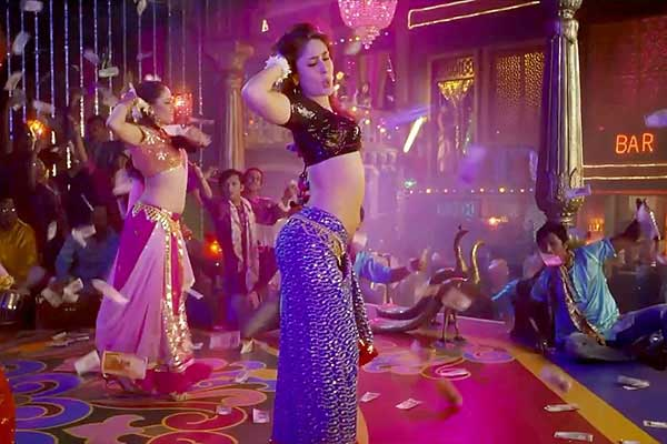 kareena in fevicol se