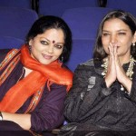 Tanvi Azmi with sister-in-law Shabana Azmi (right)