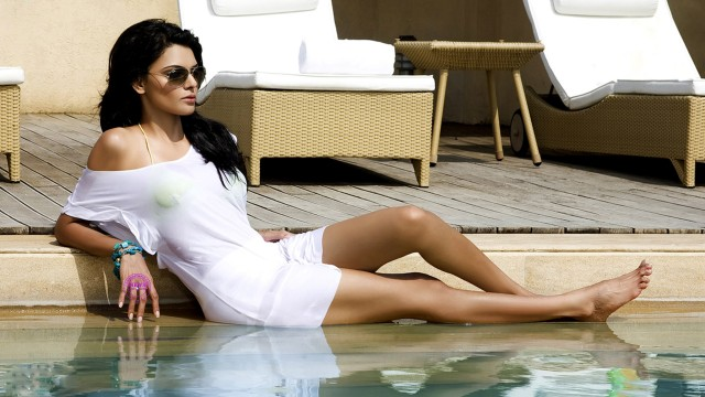 kamasutra actress sherlyn chopra