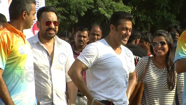 Salman Khan slaps his bodyguard