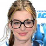 anne-hathaway-in glasses