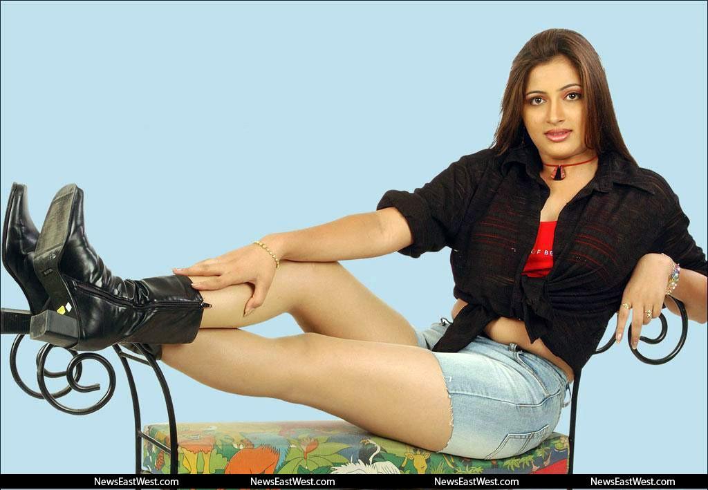 Actress Navneet Kaur – sexy sardani