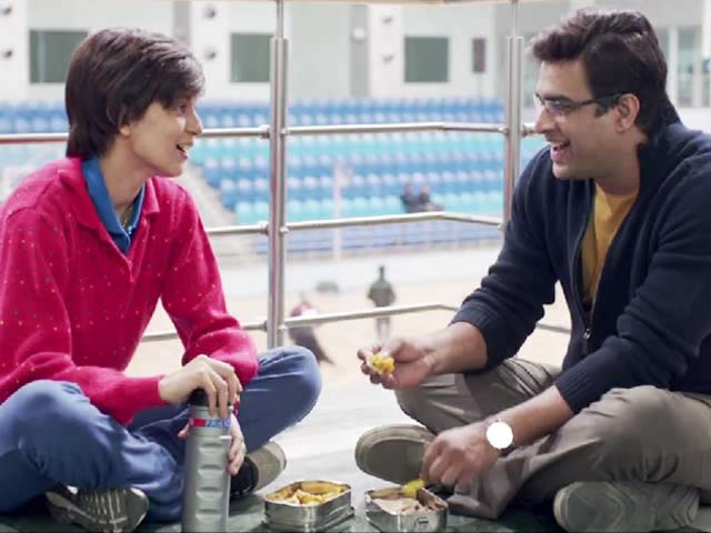 Kangana (left) in Tanu Weds Manu Returns