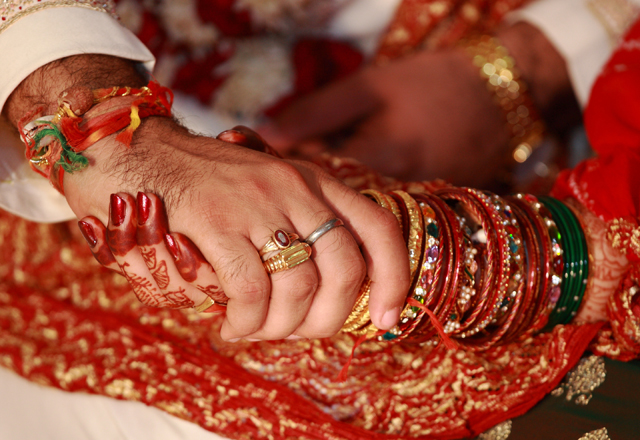 Indian bride calls off marriage after groom's father kisses her cousin