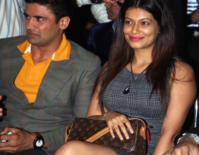 sangram-singh with fiancee-payal-rohatgi