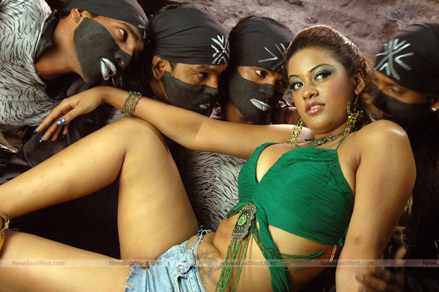 Item girl Mumaith Khan