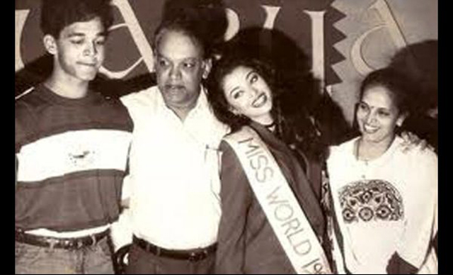 Aishwarya Rai comes home after winning the Miss World title.