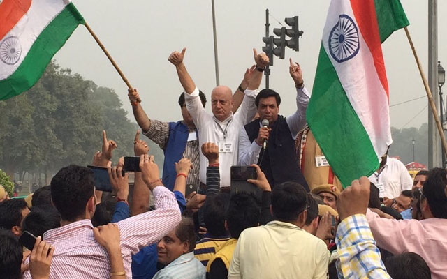 I was ready to walk alone, but 15,000 people joined me in award wapsi protest, says Anupam Kher