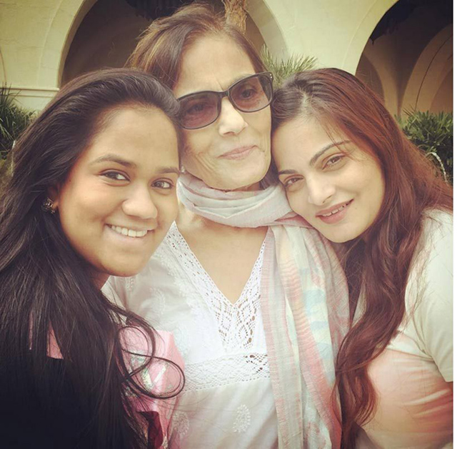 Arpita and Alvira with mom Salma Khan