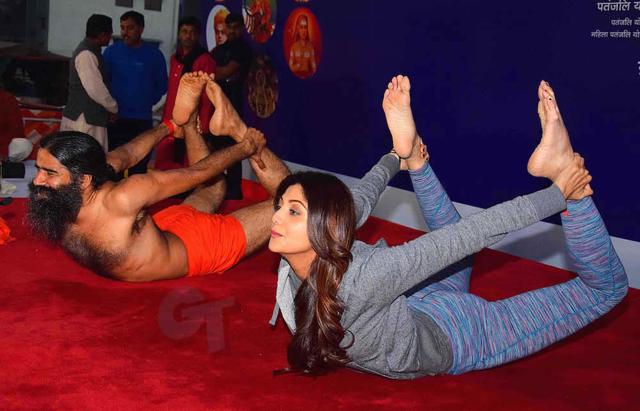 The beauty and the Brahmachari: Yoga Guru Ramdev and actress Shilpa ...