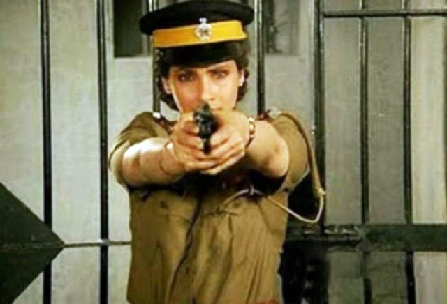 Dimple as a fiery cop in Zakhmi Aurat