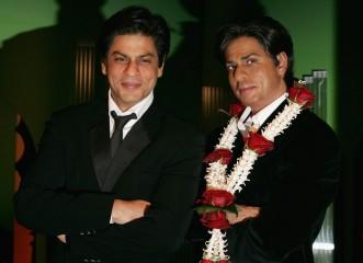 Shah Rukh Khan seen next to his wax twin at Madame Tassauds.