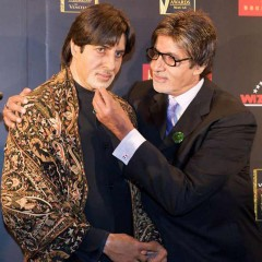 Amitabh with his wax twin at Madame Tassauds.