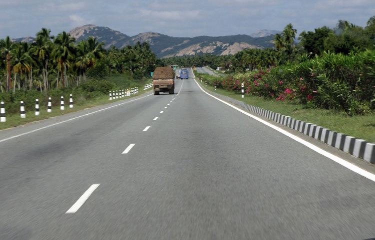 Indian highways will have no speed-breakers now
