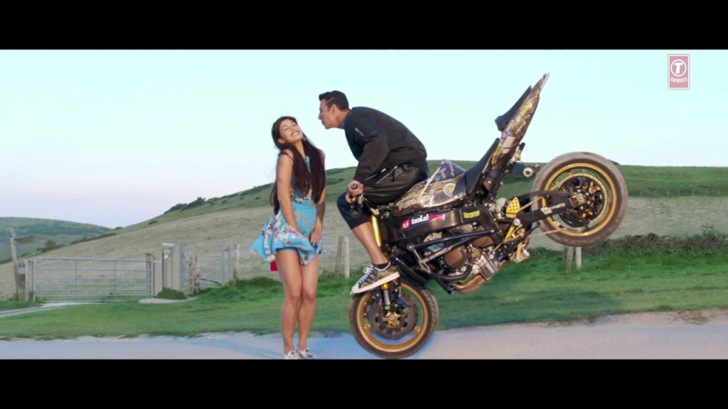 Pyar Ki Maa Ki song from HOUSEFULL 3