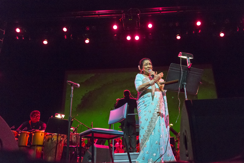 Tears and joy at Asha Bhosle's farewell concert in Washington DC
