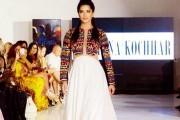 sunny-leone-walks-the-ramp-at-new-york-fashion-week