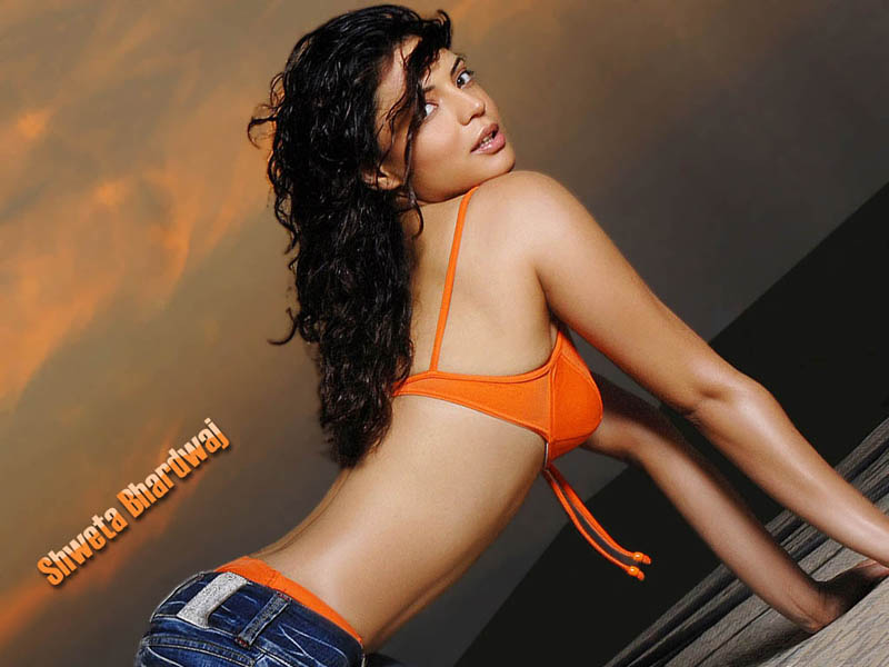 shweta-bhardwaj-hot-wallpaper