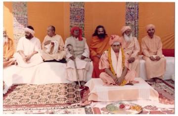 Ajay Singh seen taking sanyas and becoming Yogi Adityanath.