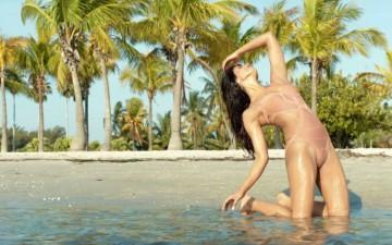 Priyanka bikini6