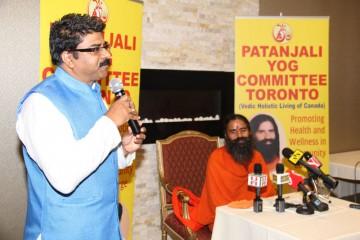 Satish Thakkar with Baba Ramdev