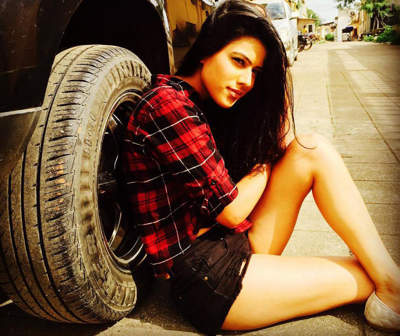 Nia Sharma hot image
