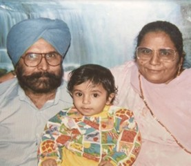 Jasprit Bhumrah as a kid with his parents.