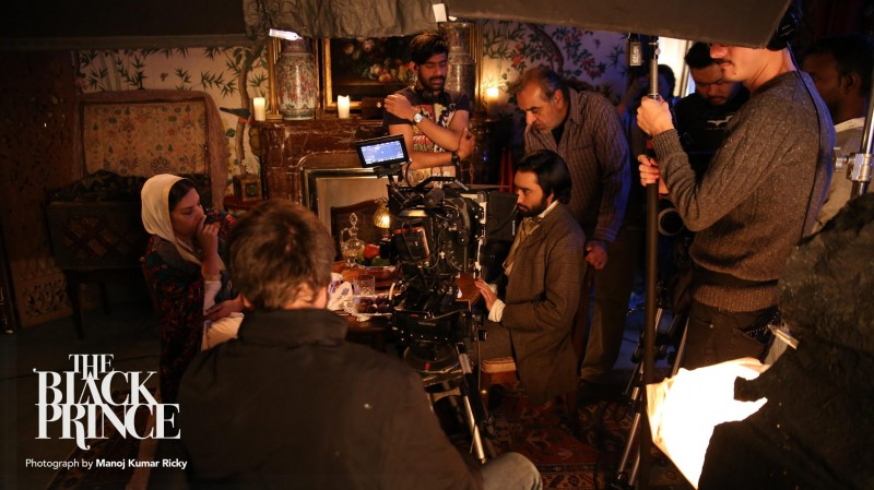 Kavi Raz at the shooting of The Black Prince