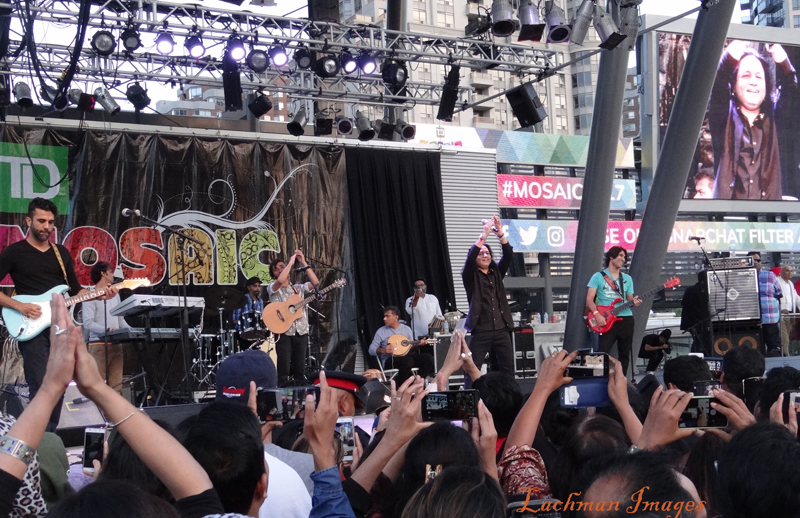 Kailash Kher rips it up at Celebration Square in Mississauga
